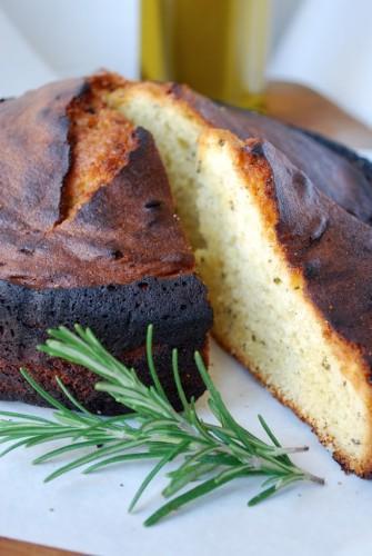 Rosmarin- og olivenoliekage