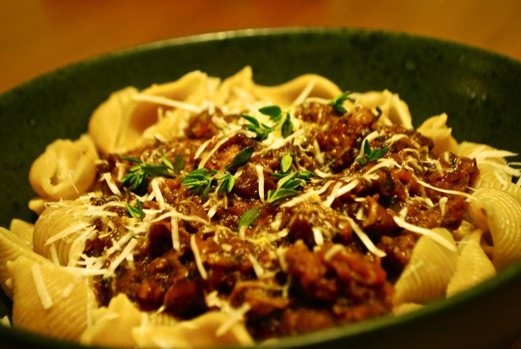 Ragú eller ragout med lam og pasta
