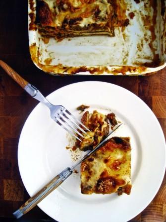 Lasagne med hjemmelavet lasagneplader og tomatsovs