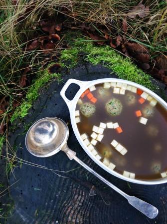Gåsesuppe med matzeboller