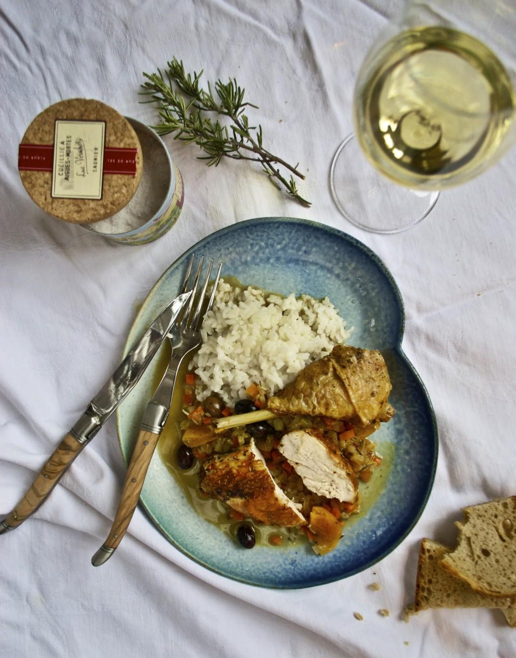 Provencalsk kylling med abrikos- og olivensauce (red)