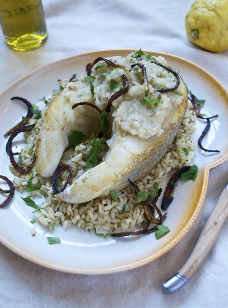 Sayadieh er en arabisk torskeret med løgpuré og ris smagt til med kommen og spidskommen. Det er en nem og hurtig fiskeret, der er perfekt at servere alle ugens dage.