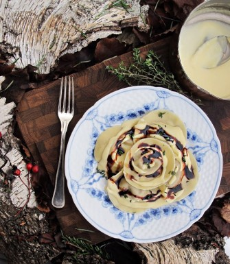 Ravioli med fasan og to slags sauce