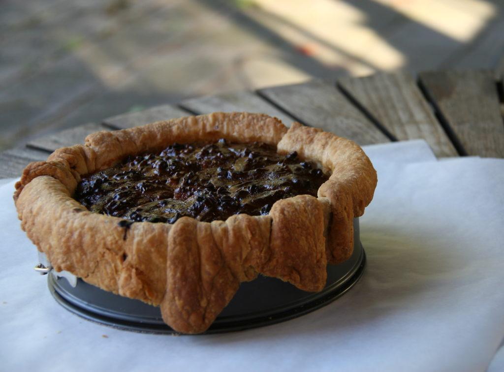 Opskrift på Valnøddetærte med karamel af kondenseret mælk og cognac