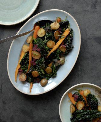 Palmekål, sprøde kartofler og søde gulerødder – lækkert efterårstilbehør
