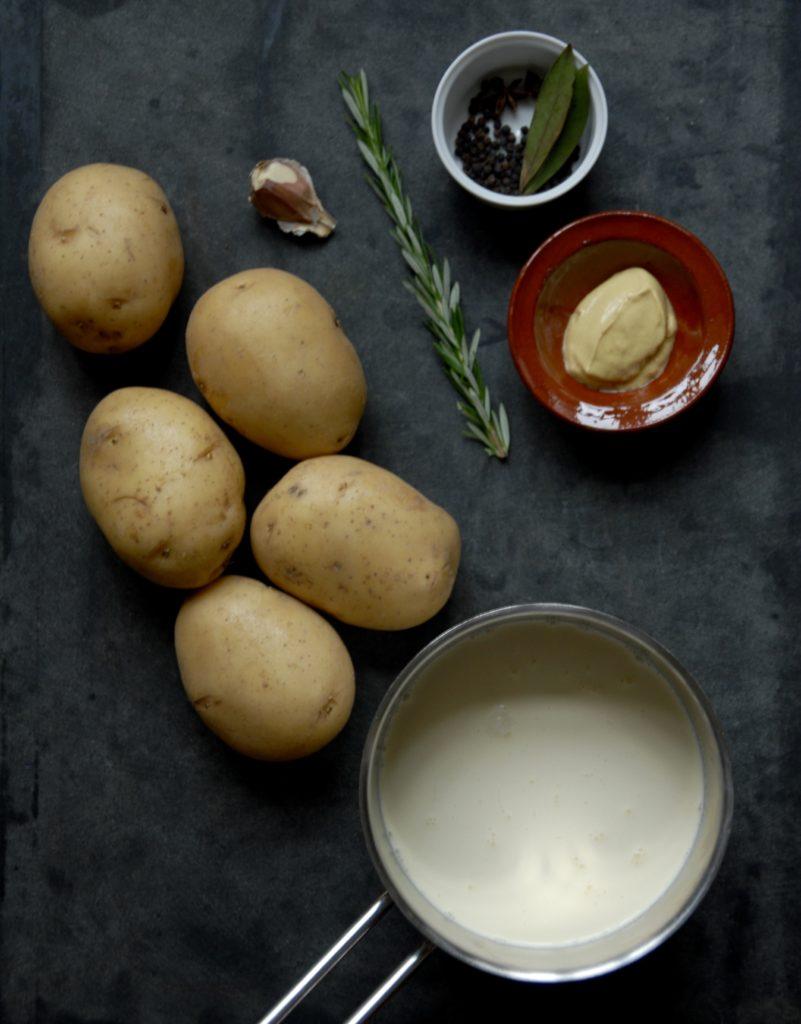 Flødekartofler - den perfekte opskrift på cremede kartofler med tyk sovs