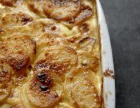 Flødekartofler – den perfekte opskrift på cremede kartofler med tyk sovs
